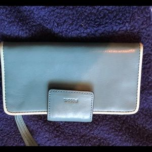 Light green fossil wallet brand new Without tags